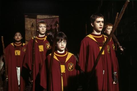кадры из фильма Гарри Поттер и Философский камень Джеймс Фелпс, Дэниэл Рэдклифф, Оливер Фелпс,