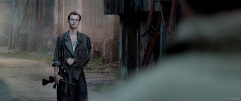 кадр №258600 из фильма Калашников