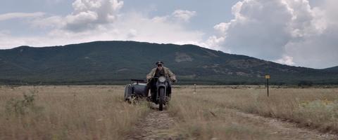 кадр №258601 из фильма Калашников