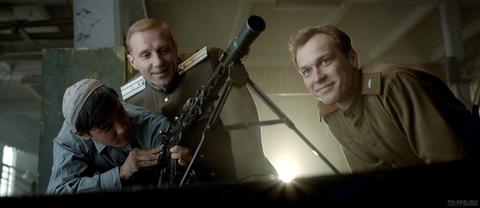 кадр №258603 из фильма Калашников
