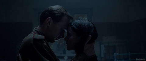 кадр №258605 из фильма Калашников