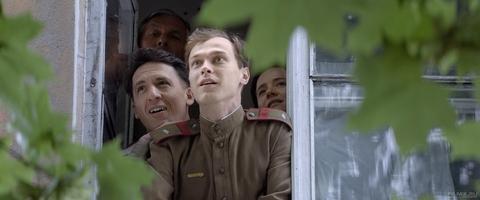 кадр №258607 из фильма Калашников