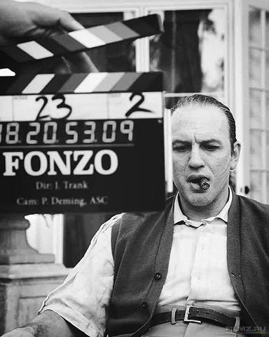 кадр №260277 из фильма Капоне. Лицо со шрамом