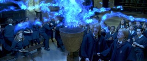 кадры из фильма Гарри Поттер и Кубок Огня Джеймс Фелпс, Оливер Фелпс,