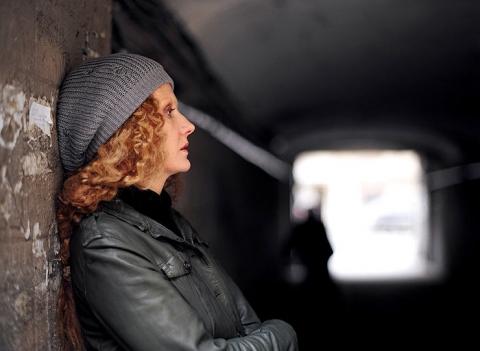 кадры из фильма Мне не больно Рената Литвинова,