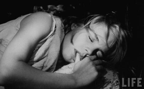 кадр №40626 из фильма Куколка