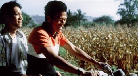 кадр №43058 из фильма Тропическая лихорадка