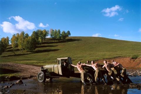 кадр №47940 из фильма Ехали два шофера