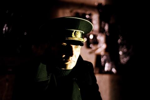 кадр №48193 из фильма Изображая жертву