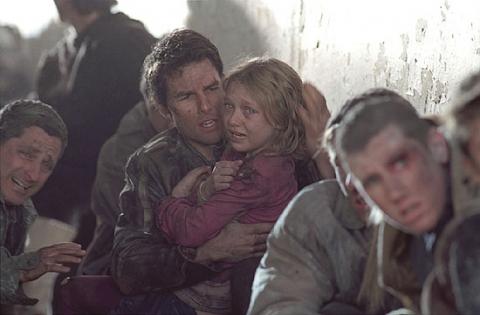 кадры из фильма Война миров Дакота Фэннинг, Том Круз,