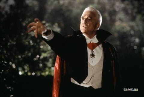 кадр №59779 из фильма Дракула: мертвый, но довольный