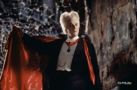 кадр №59781 из фильма Дракула: мертвый, но довольный