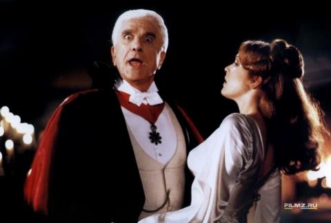 кадр №59782 из фильма Дракула: мертвый, но довольный