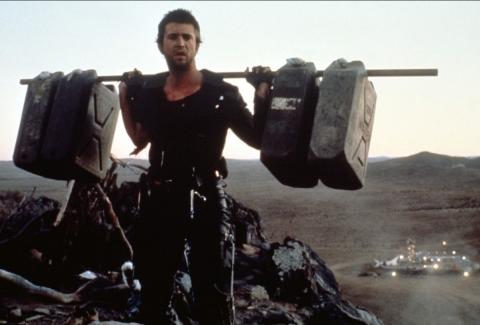 кадр №66870 из фильма Безумный Макс 2: Воин дороги