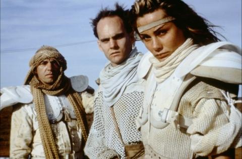 кадр №66874 из фильма Безумный Макс 2: Воин дороги