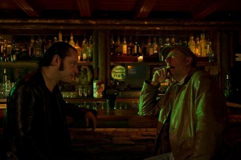 кадр №68169 из фильма Девушка заходит в бар*