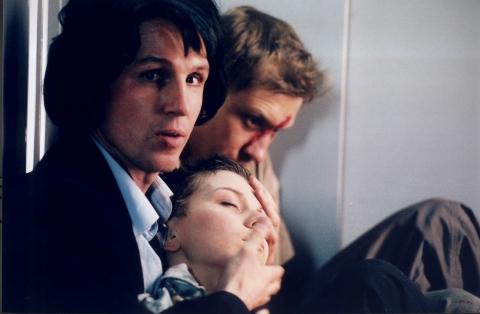 кадр №6891 из фильма Лифт
