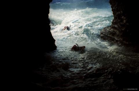 кадры из фильма Спасатель