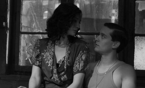кадры из фильма Хороший немец Кейт Бланшетт, Тоби Магуайр,