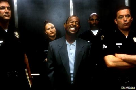 кадр №76288 из фильма Бриллиантовый полицейский