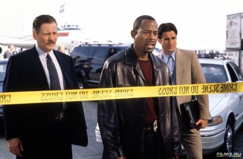 кадр №76296 из фильма Бриллиантовый полицейский