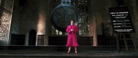 кадры из фильма Гарри Поттер и Орден Феникса Имельда Стонтон,