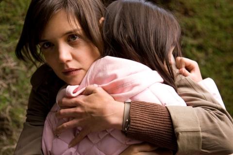 кадры из фильма Не бойся темноты Кэти Холмс, Бэйли Мэдисон,