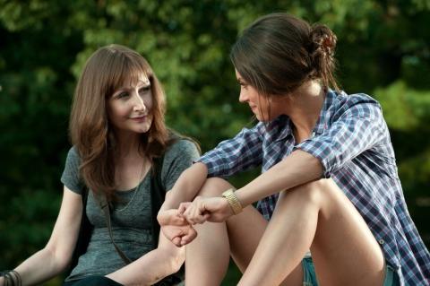 кадры из фильма Секс по дружбе Патрисия Кларксон, Мила Кунис,