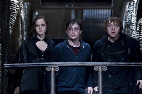 кадры из фильма Гарри Поттер и Дары Смерти: Часть вторая Эмма Уотсон, Дэниэл Рэдклифф, Руперт Гринт,