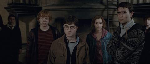 кадры из фильма Гарри Поттер и Дары Смерти: Часть вторая Руперт Гринт, Дэниэл Рэдклифф, Эмма Уотсон, Мэттью Льюис,