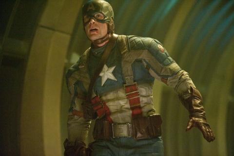 кадры из фильма Первый Мститель Крис Эванс,