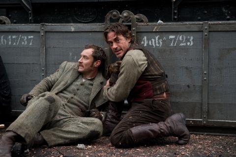 кадры из фильма Шерлок Холмс: Игра теней Джуд Лоу, Роберт Дауни-мл.,