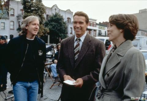 кадр №81994 из фильма Правдивая ложь