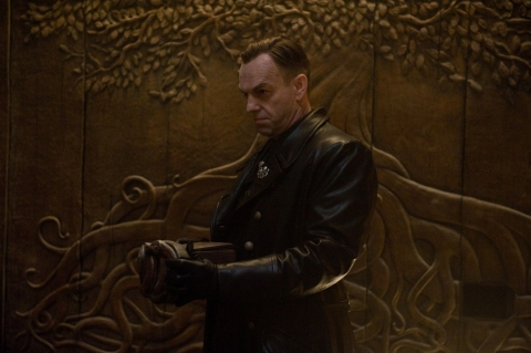 кадры из фильма Первый Мститель Хьюго Уивинг,