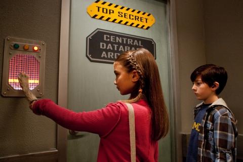 кадры из фильма Дети шпионов в 4D Роуэн Бланшар, Мэйсон Кук,