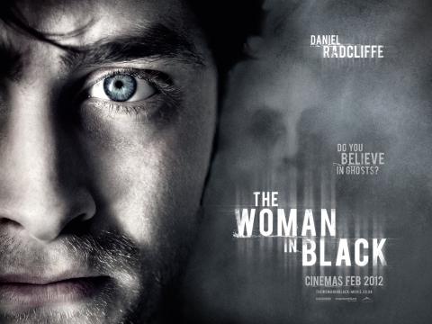 плакат фильма биллборды Женщина в черном