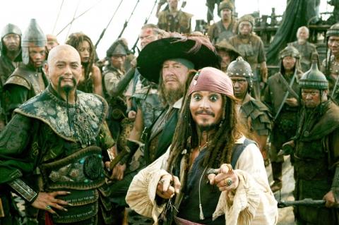 кадры из фильма Пираты Карибского моря: На краю света Наоми Харрис, Джеффри Раш, Чоу Юнь-Фат, Джонни Депп,