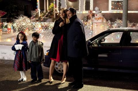 кадры из фильма Такие разные близнецы Кэти Холмс, Адам Сэндлер,
