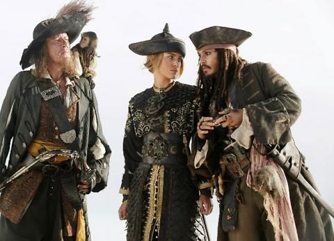 кадры из фильма Пираты Карибского моря: На краю света Джеффри Раш, Кира Найтли, Джонни Депп,