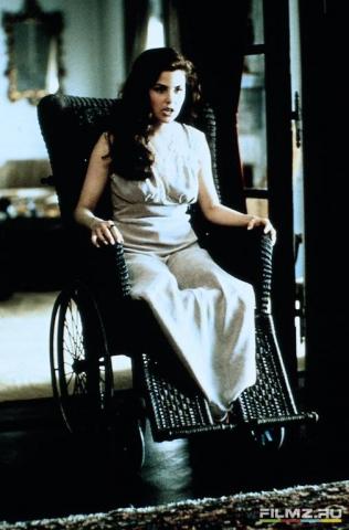 кадр №99121 из фильма Елена в ящике