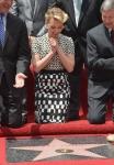 фотография №120165 с события Скарлетт Йоханссон получает звезду на Аллее Славы