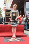 фотография №120168 с события Скарлетт Йоханссон получает звезду на Аллее Славы