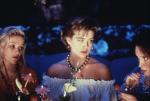 кадр №192337 из фильма Свадьба Мюриэл