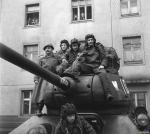 Четыре танкиста и собака кадры