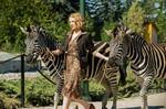 Жена смотрителя зоопарка кадры