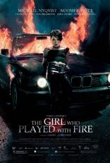 Девушка, которая играла с огнем плакаты