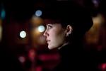 кадр №68182 из фильма Девушка заходит в бар*