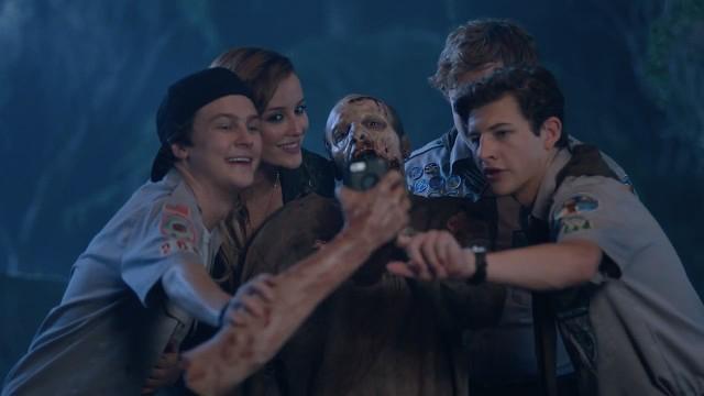 Скачать бесплатно скауты против зомби на телефон | фильмы для.