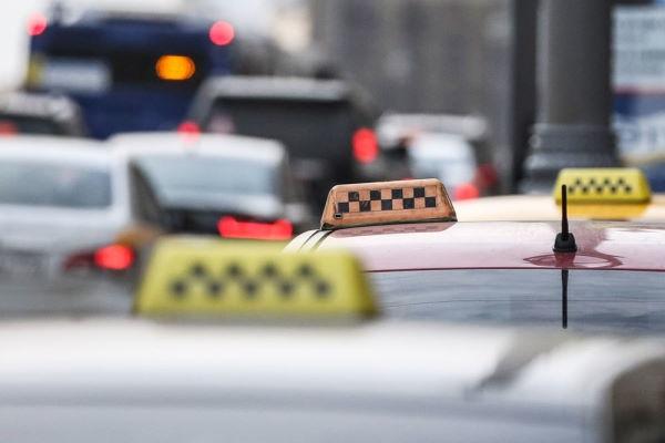 Такси: особенности мобильного приложения и другие способы вызова