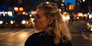 Ванесса Кирби вновь собирает себя по кусочкам в фильме «Итальянские исследования»